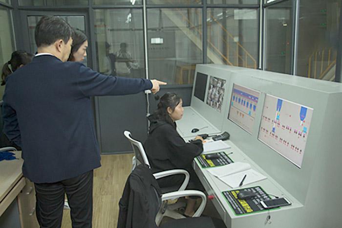 微机控制室